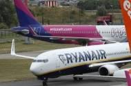 Wizz Air czy Ryanair? Która tania linia lotnicza jest lepsza? [WIDEO]