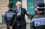 PILNE: Od DZIŚ obowiązują nowe zasady lockdownu w północnej Anglii. Sprawdź, co można, a czego nie można i które miasta zostały objęte