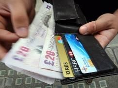 Czy Polacy na Wyspach mogą liczyć na wstrzymanie działań komorniczych i pomoc w wyjściu z długów?