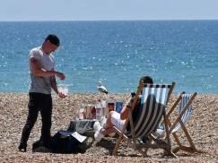 Fala upałów dotarła do UK. Czy padnie rekord temperatury?