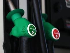 Nawet £3 więcej trzeba obecnie zapłacić za bak benzyny w porównaniu do okresu lockdownu