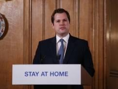 """Ponowne otwarcie szkół we wrześniu jest """"absolutnym priorytetem"""" rządu - powiedział minister z gabinetu Borisa Johnsona"""