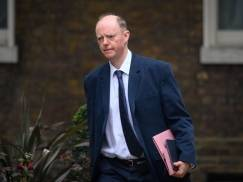 By otworzyć szkoły od września, trzeba będzie zamknąć inne miejsca w Anglii - ostrzegają rządowi doradcy ds. medycznych