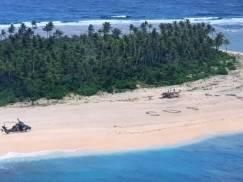 Mężczyźni utknęli na wyspie pośrodku oceanu. Życie uratował im gigantyczny napis SOS!