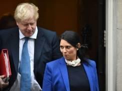 """Rząd UK popełnił """"krytyczne błędy"""" nie wprowadzając na czas i znosząc zbyt wcześnie kwarantannę"""