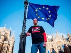 Lordowie zagłosowali za przyznaniem obywatelom UE fizycznego dokumentu potwierdzającego Settled Status. Izba Gmin odrzuci poprawkę?
