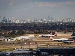 Dlaczego w Londynie funkcjonuje aż tak dużo lotnisk? [WIDEO]