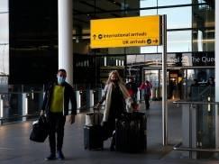 Jakie testy trzeba zrobić przed podróżą do UK, a jakie jadąc do Polski przez Francję lub Holandię? Wyjaśniamy