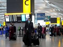 Polaka nie chciano wpuścić na pokład samolotu lecącego do Luton mimo posiadania ważnego testu [WIDEO]