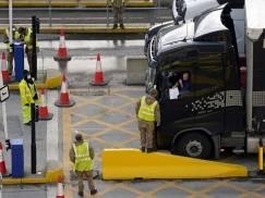Problemy z transportem towarów do i z UK przez nowe regulacje na granicy