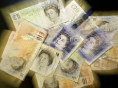 Małżeństwo Brytyjczyków, które utknęło na furlough, wygrało na loterii pokaźną sumę! Wygraną zgarnęli także ich sąsiedzi
