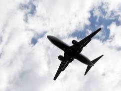 Szansa na śmierć w katastrofie lotniczej jest mniejsza, niż śmierć w trakcie spożywania posiłku. Który jednak moment lotu jest najniebezpieczniejszy?