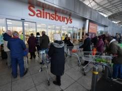 W jakim supermarkecie w UK zapłacimy za te same zakupy NAJTANIEJ? [WIDEO]
