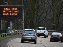 Mansfield: Polski kierowca prowadził samochód bez prawa jazdy, bez MOT`u i z podrobioną tablicą rejestracyjną
