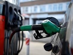 Od września stacje benzynowe w UK wprowadzą bardziej ekologiczne paliwo. Co to oznacza dla kierowców?