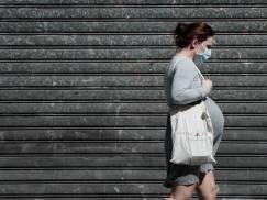 To nie moja wina, że ona zaszła w ciążę - mężczyzna uzasadnia, dlaczego nie ustępuje miejsca w autobusie ciężarnym kobietom. Co na to internauci?