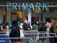 """""""Nie patrzcie na mnie z góry"""" - Brytyjka tłumaczy, dlaczego już w pierwszy dzień poluzowania lockdownu ruszyła na zakupy do Primarka"""