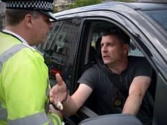 Od tego tygodnia wchodzą nowe zasady dla kierowców w UK. Wzrasta też kara za korzystanie z telefonu w czasie jazdy samochodem