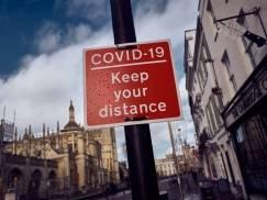 """Kolejny lockdown w UK jest """"mało prawdopodobny"""" - zapewnia epidemiolog, który stał za wprowadzeniem pierwszych restrykcji"""
