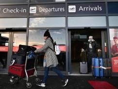 Mieszkańcy UK otrzymają darmowe testy dla ułatwienia wakacyjnych podróży? Nie musieliby wtedy kupować drogich testów za granicą
