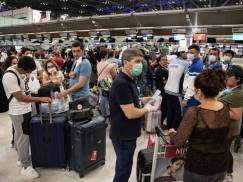 """Rząd nie przedstawił założeń systemu """"sygnalizacji świetlnej"""". Co będzie z podróżami zagranicznymi po 17 maja?"""