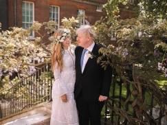 """Jak wyglądał """"miesiąc miodowy"""" premiera Borisa Johnsona i Carrie Johnson pod Londynem?"""