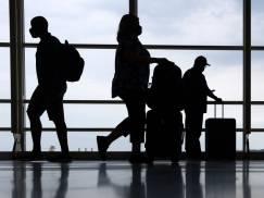 Podróż z UK do PL. Czy negatywny wynik testu zwalnia z kwarantanny w Polsce?