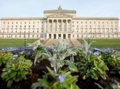 Władze Irlandii Północnej rozważą złagodzenie przepisów dotyczących międzynarodowych podróży