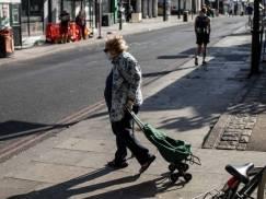 Dzwonek alarmowy: Na skutek pandemii różnica w emeryturach kobiet i mężczyzn skoczyła do prawie £200 000!