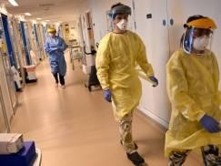 Liczba zgonów z powodu Covid-19 jest w UK najwyższa od końca marca! Koronawirus odpowiedzialny jest za co 20. zgon