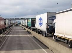 Rząd bagatelizuje problem braku kierowców ciężarówek w UK? Rzecznik uspokaja, że podobne kłopoty mają też kraje UE