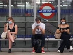 Covid Winter Plan: Czy zimą w UK powróci praca zdalna i obowiązek zakładania maseczek w miejscach publicznych?