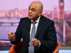 """""""Zwolnijcie się i znajdźcie inną pracę"""" - Minister zdrowia ostro o pracownikach sektora opieki, którzy nie chcą się zaszczepić"""