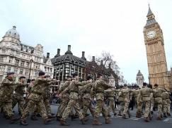 Kryzys w UK: Wojsko pomoże w rozwożeniu paliwa do stacji benzynowych już od poniedziałku!