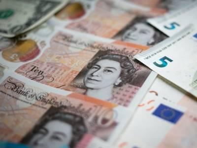 Funt powyżej 5 zł. Rynek walutowy nie wierzy w twardy Brexit