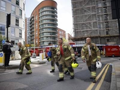 Londyn: Pożar 19-piętrowego wieżowca w Poplar. Łatwopalna elewacja była podobego typu co w Grenfell Tower