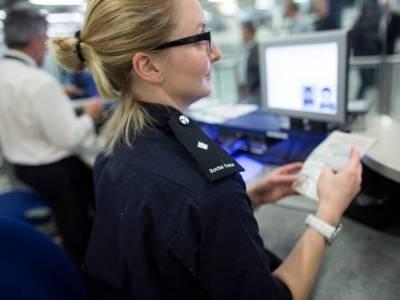 Imigranci z UE, w tym Polacy, mają problem z wyjazdem z UK. Home Office przetrzymuje ich paszporty