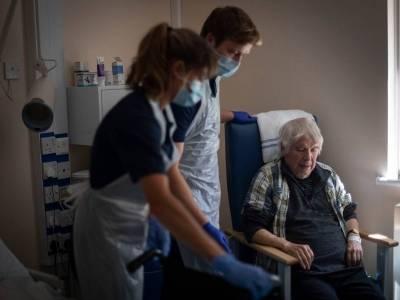 W UK jest coraz mniej pracowników domów opieki! Kto zatroszczy się o seniorów? [WIDEO]