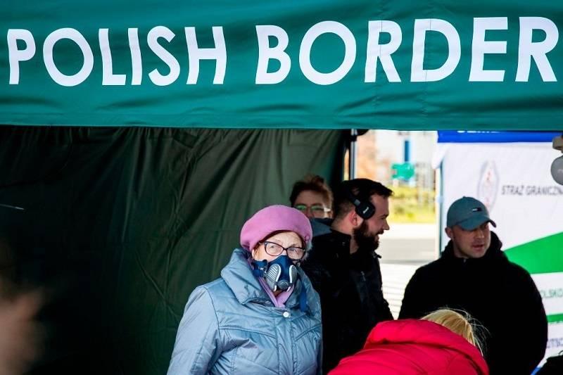 Koniec kwarantanny po wjeździe do PL dla Polaków pracujących w UK. Jakie dokumenty trzeba przedstawić na granicy?