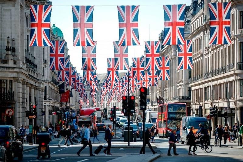 Ilu imigrantów mieszka w Londynie? Sprawdź najnowsze dane dotyczące populacji brytyjskiej stolicy!