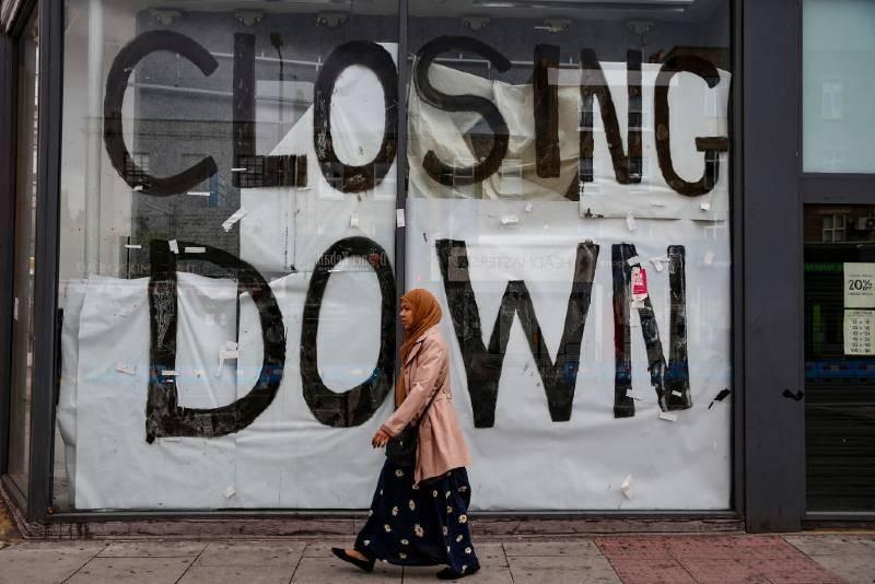 Potrzebna jest gigantyczna pomoc dla powstrzymania rosnącego bezrobocia w UK – apelują eksperci