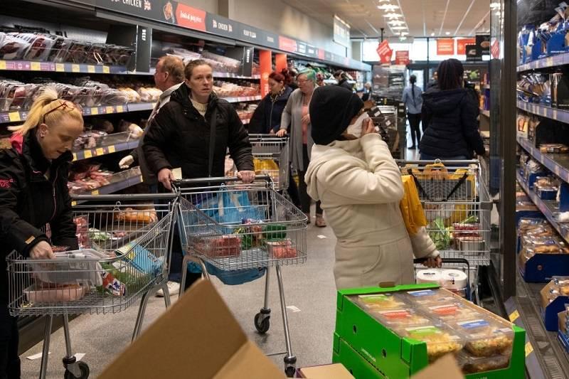 Nowe miejsca pracy w supermarketach w UK. Gdzie potrzebują pracowników?
