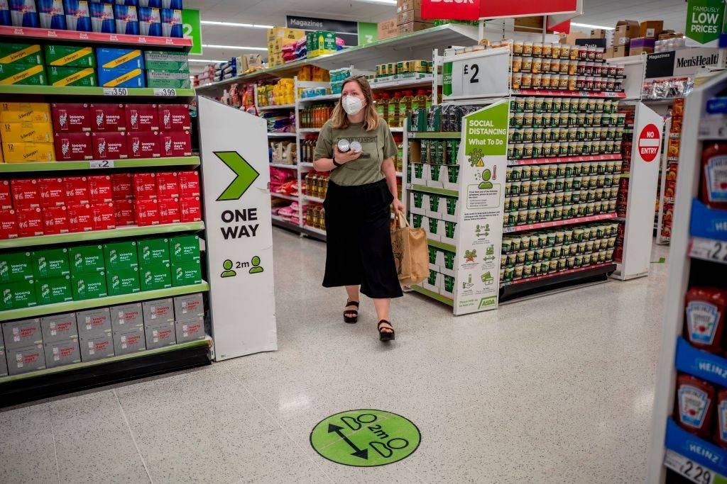 Masowe zachorowania pracowników w fabryce zaopatrującej w produkty spożywcze do brytyjskie supermarkety