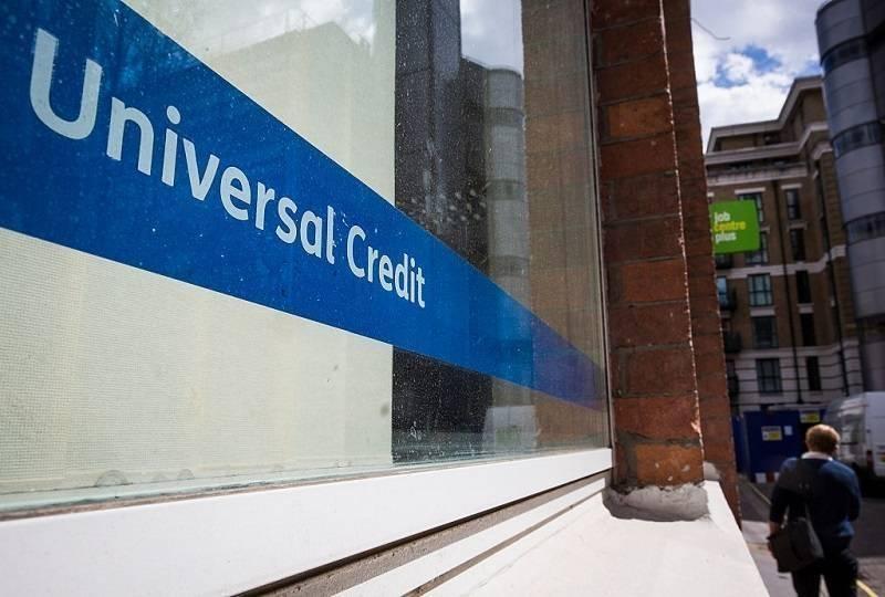 Absurdy pandemii: Nie dostaniesz Sick Pay na przymusowej kwarantannie, ale rząd radzi, by ubiegać się o Universal Credit