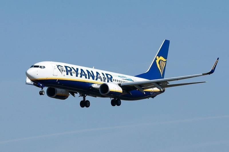 """Para pasażerów ostrzega przed """"drobnym druczkiem"""" w ofertach Ryanaira. Nieuwaga może kosztować setki funtów…"""
