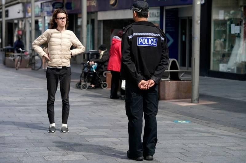 Kara za ucieczkę z miasta objętego lockdownem - policja ujawnia, ile wyniesie grzywna za opuszczenie Leicester