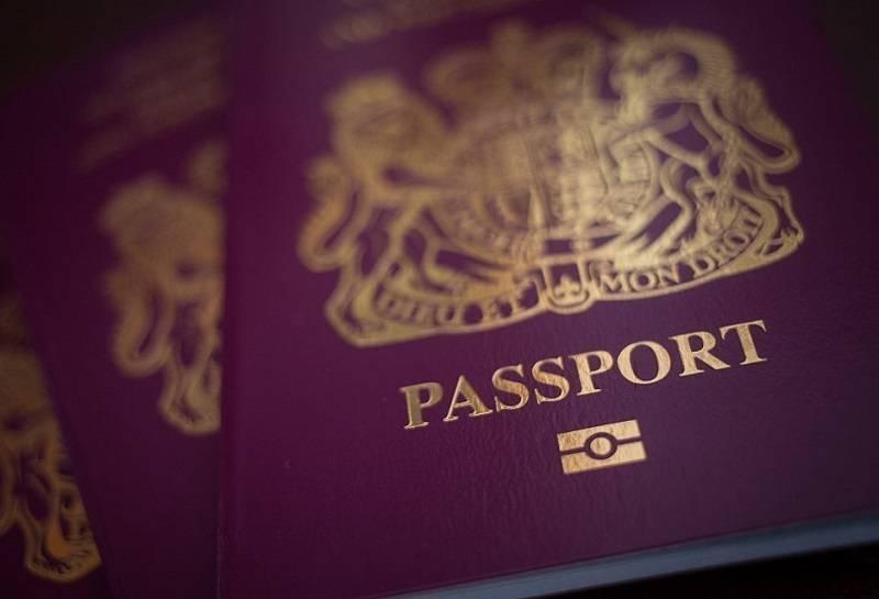 Złożyłeś wniosek o brytyjski paszport? Sprawdź, jak duże są opóźnienia w pracy urzędów w UK z powodu lockdownu