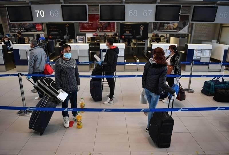 Szef Heathrow Airport apeluje o testowanie pasażerów pod kątem obecności koronawirusa na lotniskach