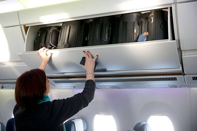 Wiesz, z kim lecisz samolotem? Ta 74-letnia kobieta przewoziła w bagażu szkielet męża