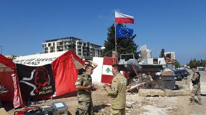 Polscy strażacy i lekarze z pomocą dla Bejrutu - trwa budowa bazy ratowniczej